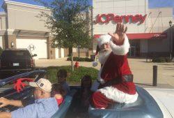 Santa Arriving at Hammond Square